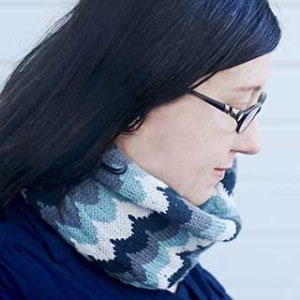 Scalloped Cowl