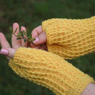 Rails mitts by Rebecca Velasquez