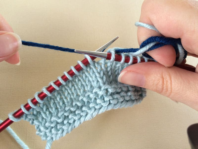 Knitting Joining Yarn Knot : Joining two yarns the easy method knotions