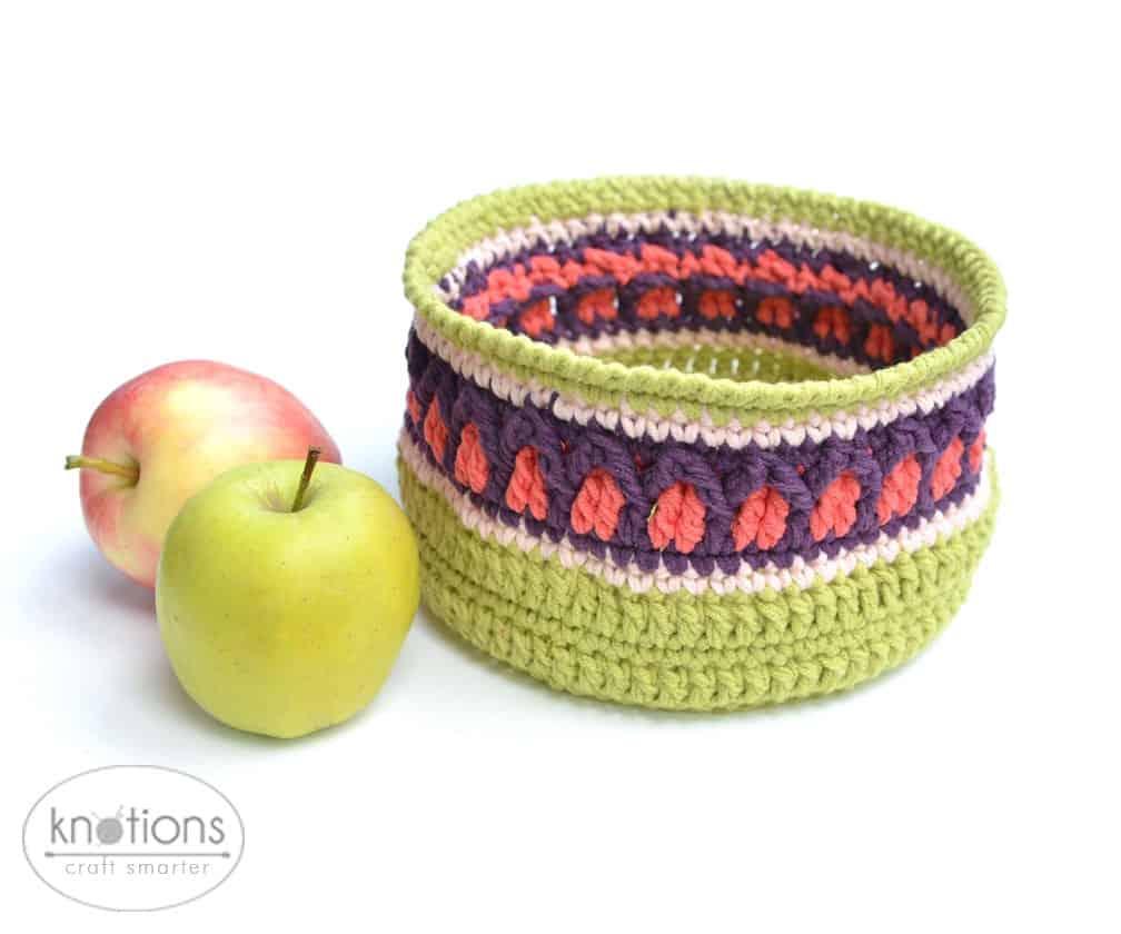 Fall Apple Basket by Lilla Björn Crochet - knotions