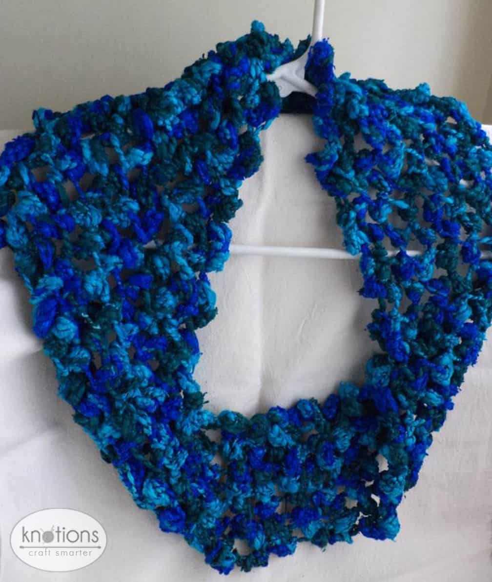 Knitting Knotty : Knitted knot cowl knotions