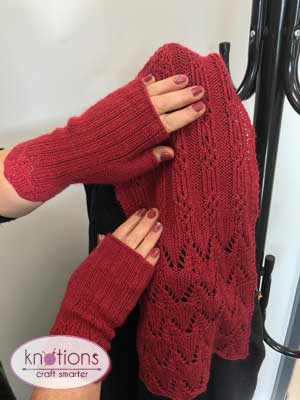 attakai-scarf-and-mitts-3