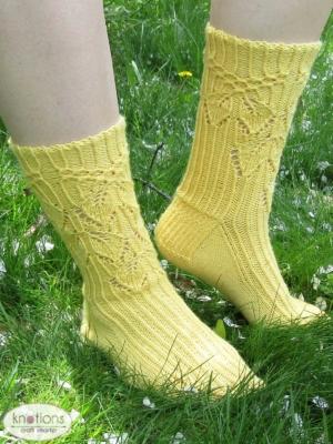 smocked-leaves-socks-1