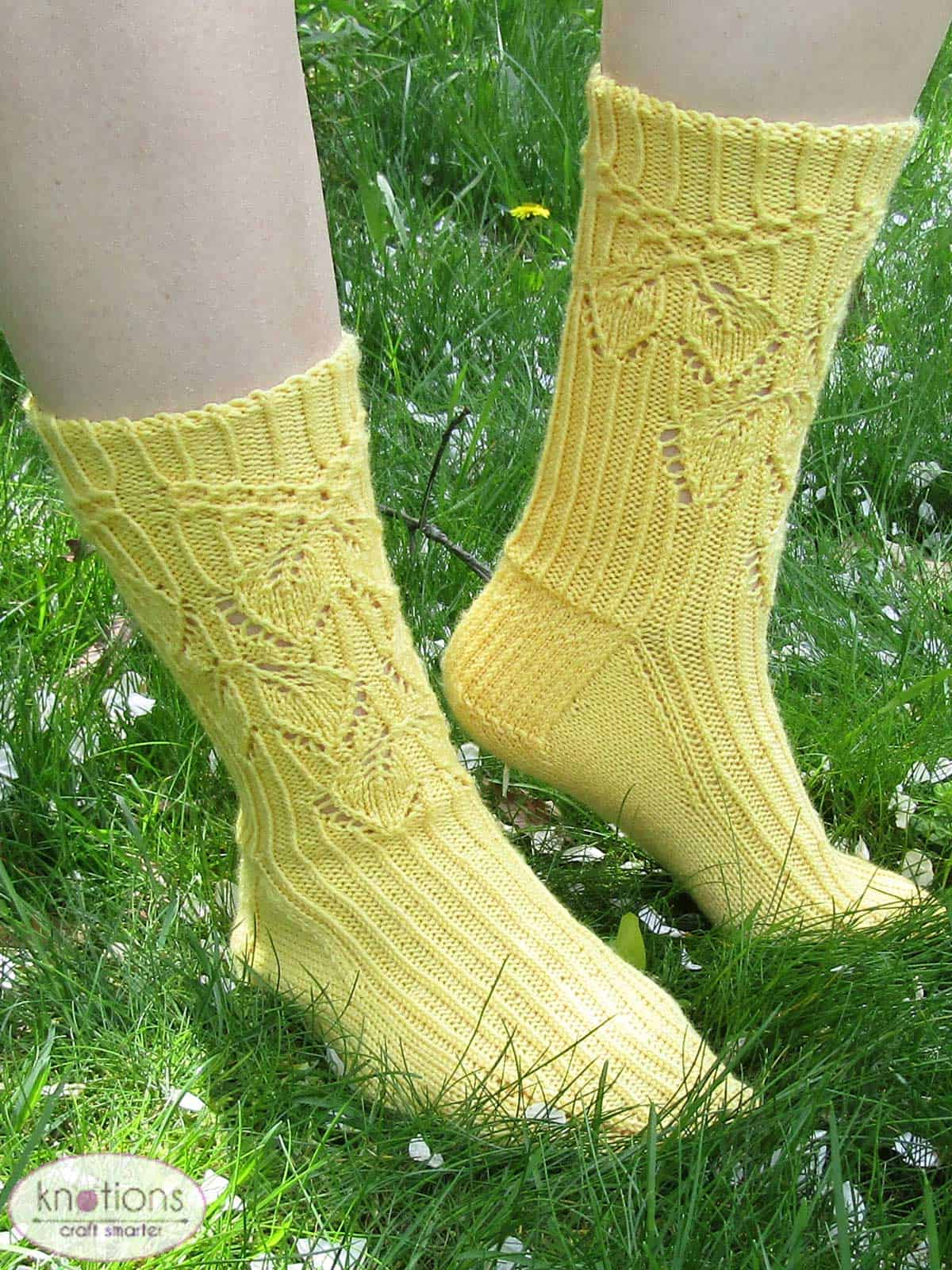 smocked-leaves-socks-1