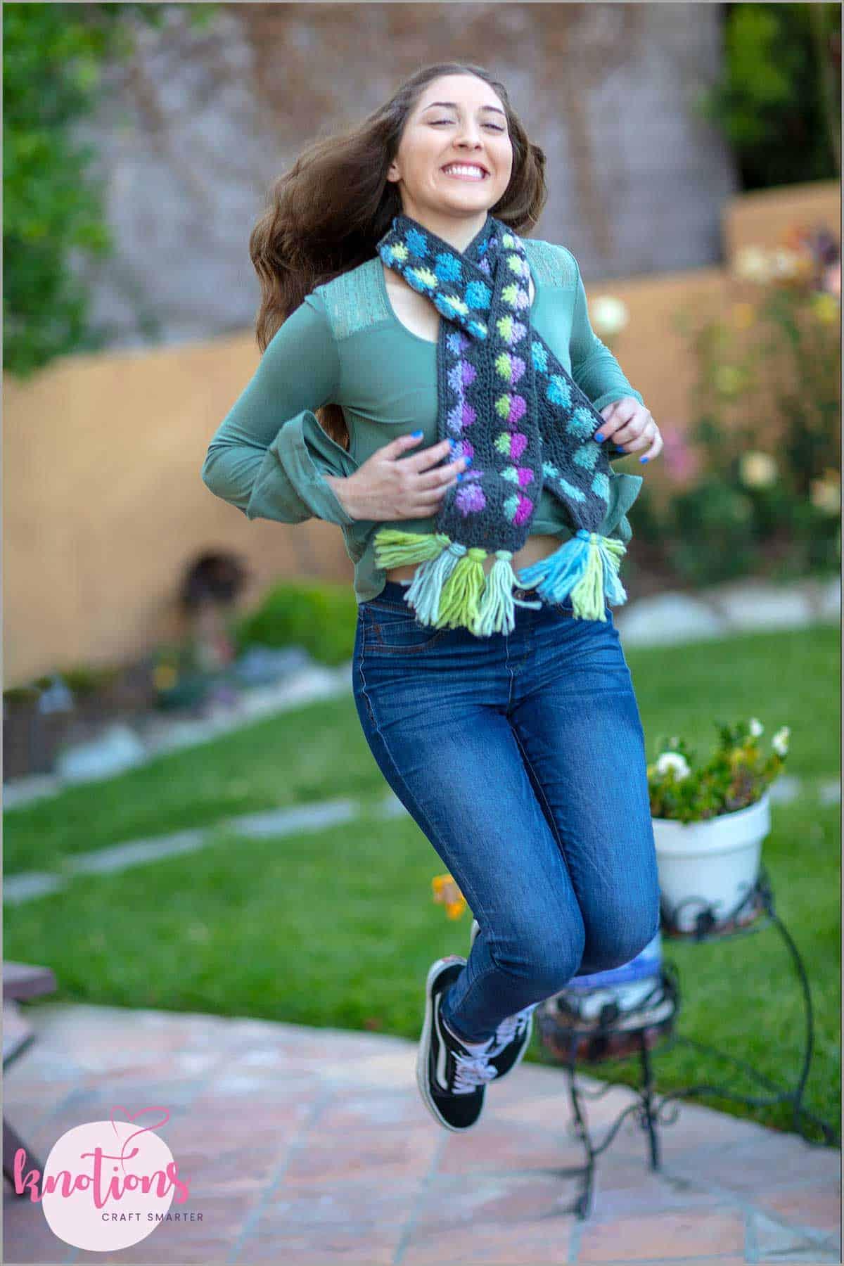 bubblegum-dots-scarf-3