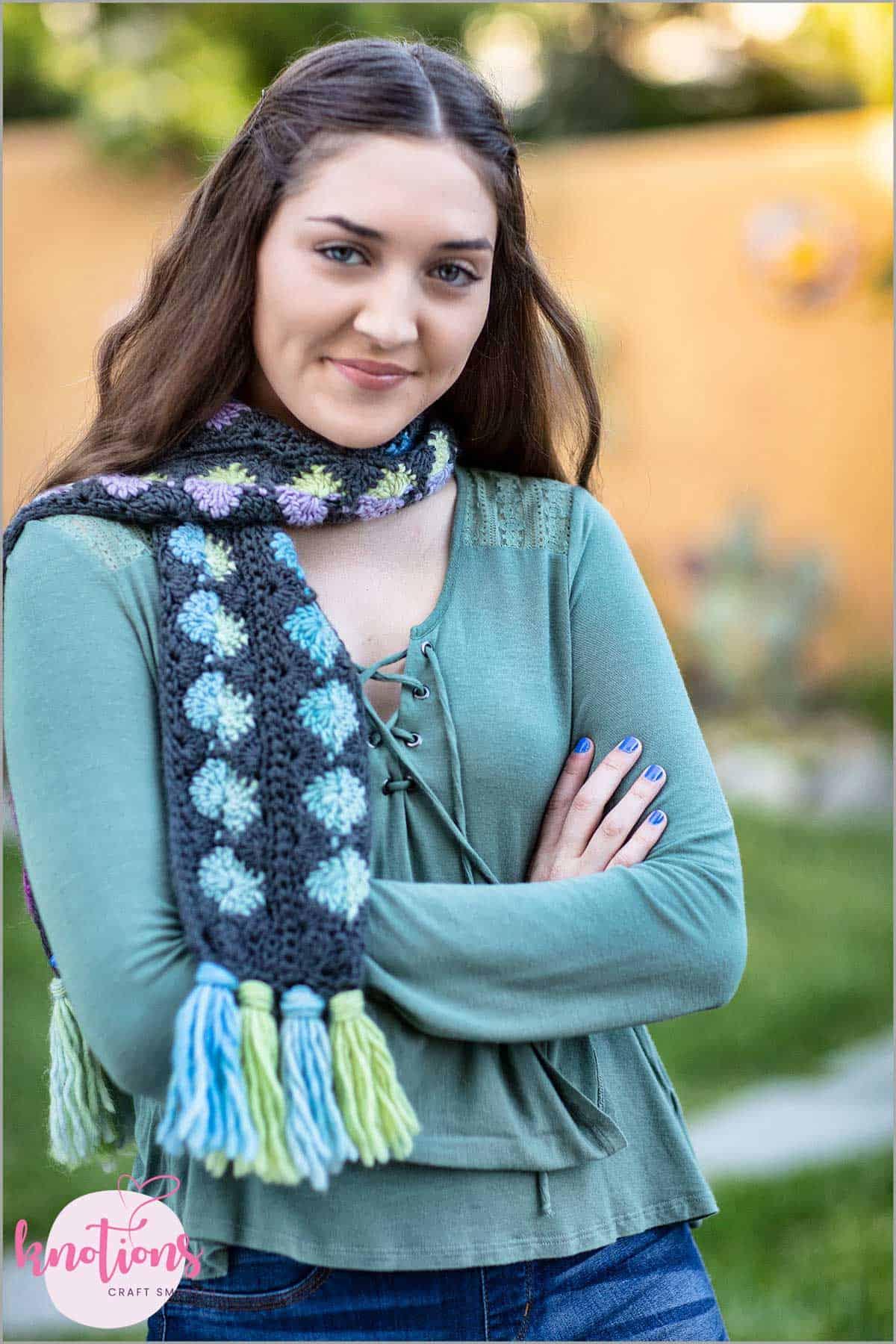 bubblegum-dots-scarf-5