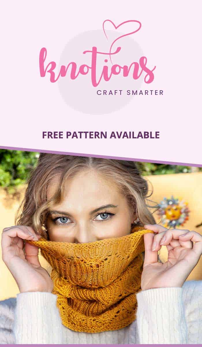 Free knitting pattern for a cowl with a lace and ribbing motif. Pattern is for a single-wrap cowl but it can easily be increased if you prefer.