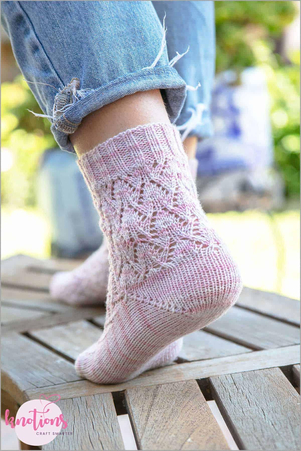estonian-lace-socks-1