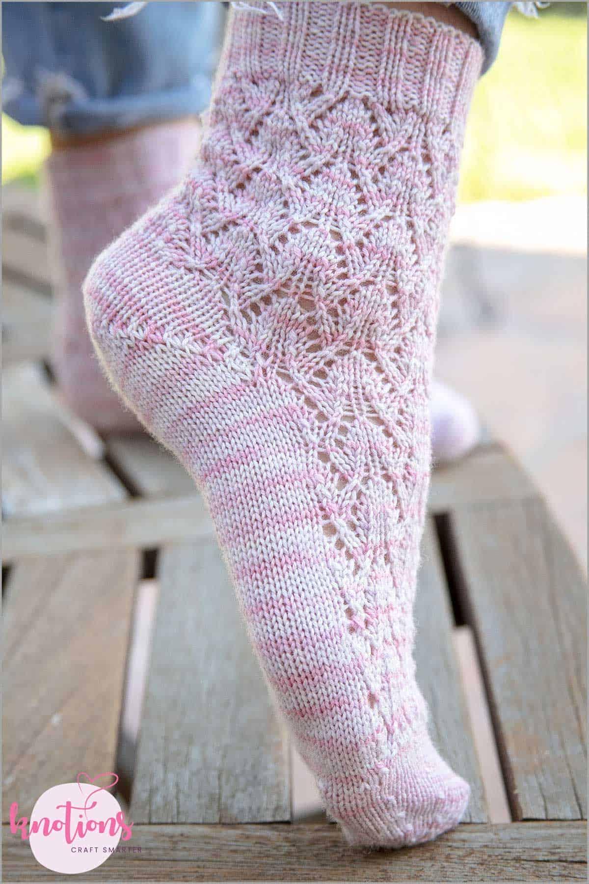 estonian-lace-socks-2