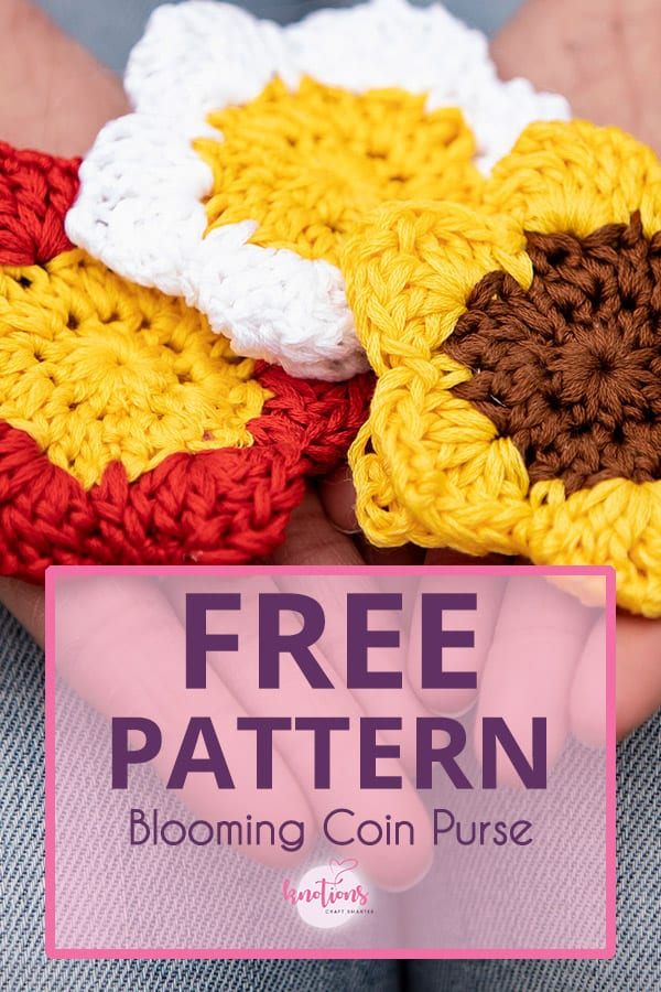 Free crochet pattern for a coin purse that looks like a flower. Use 2 colors of embroidery floss, a snap button (with our tutorial), and go!