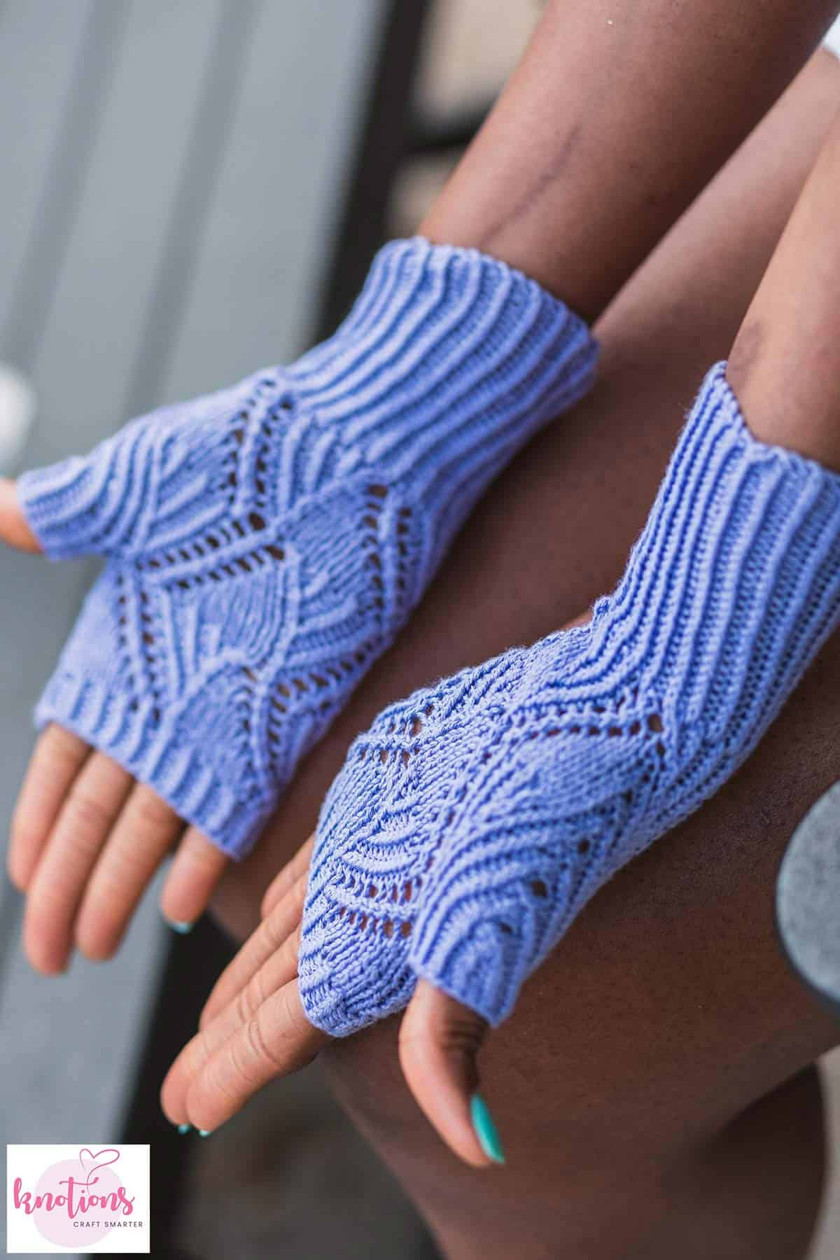 scrolling-mitts-5