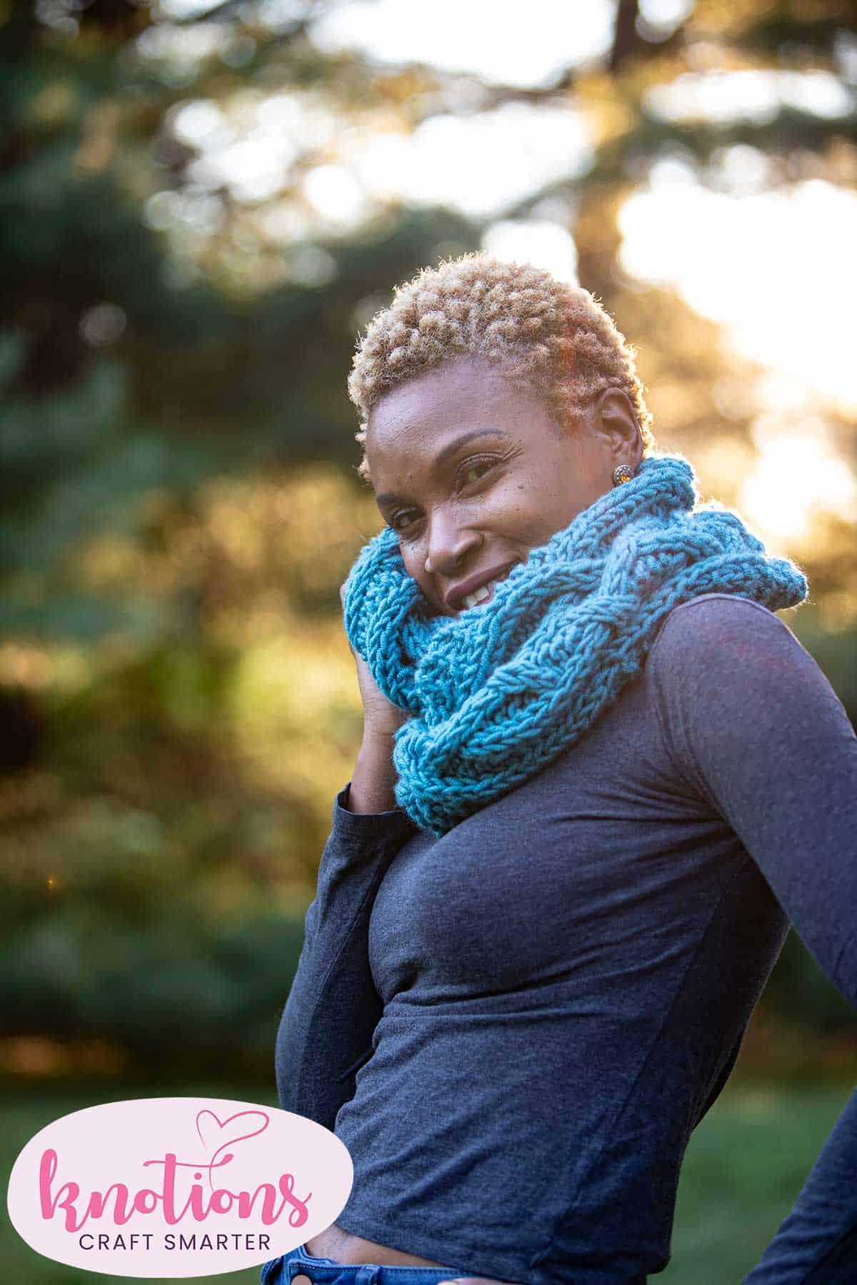 cozy-cabled-cowl-4