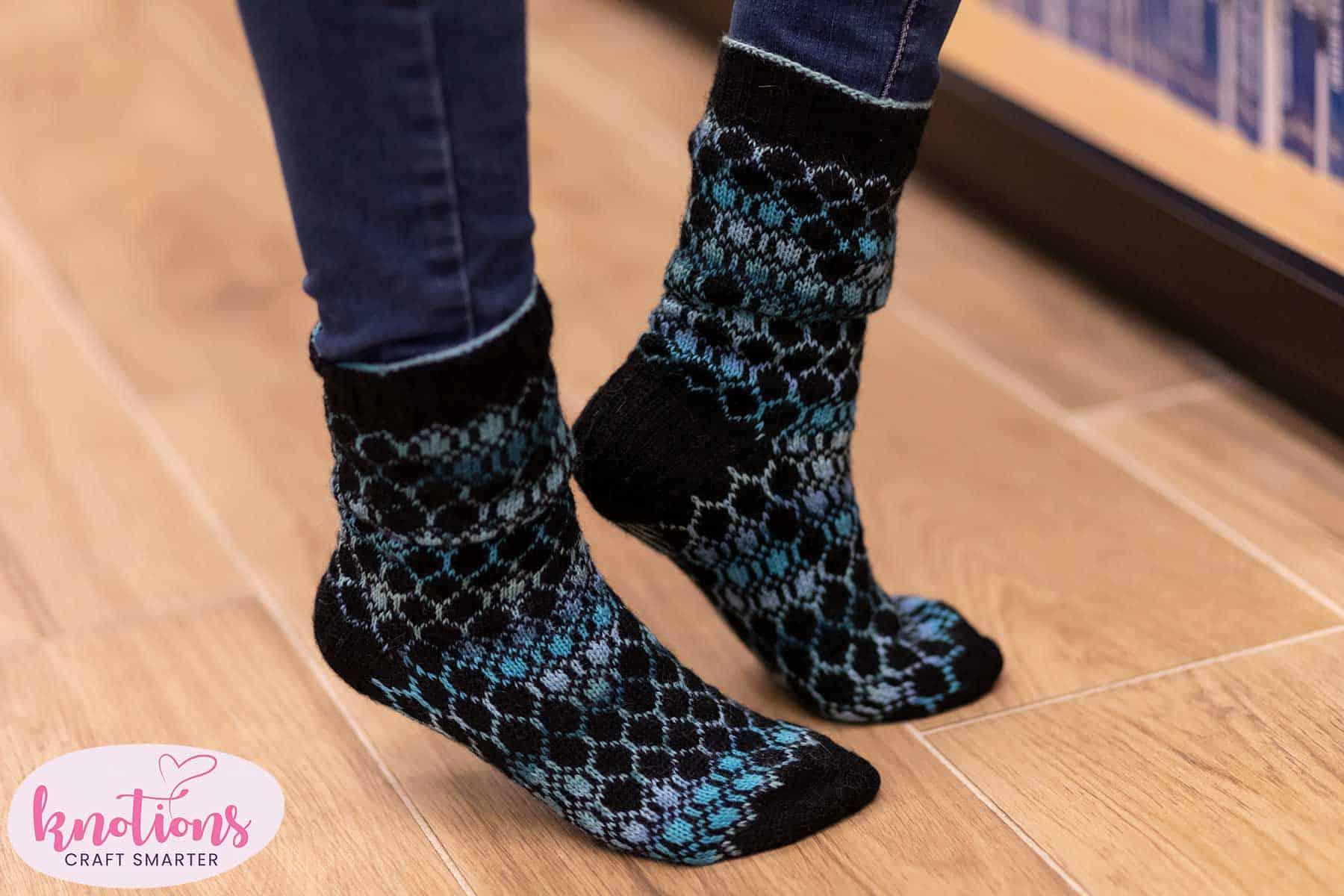 hexbin-socks-1