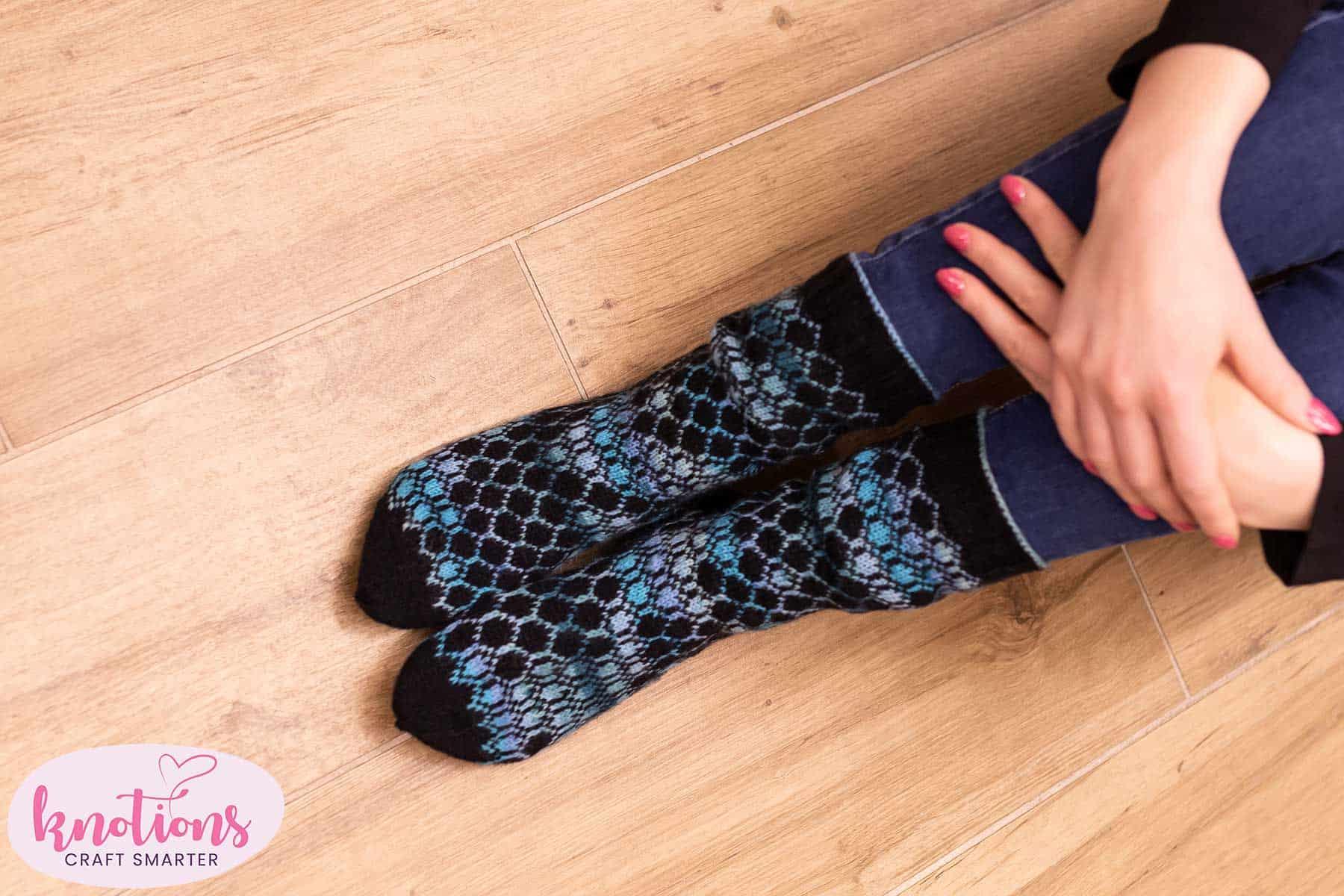 hexbin-socks-3