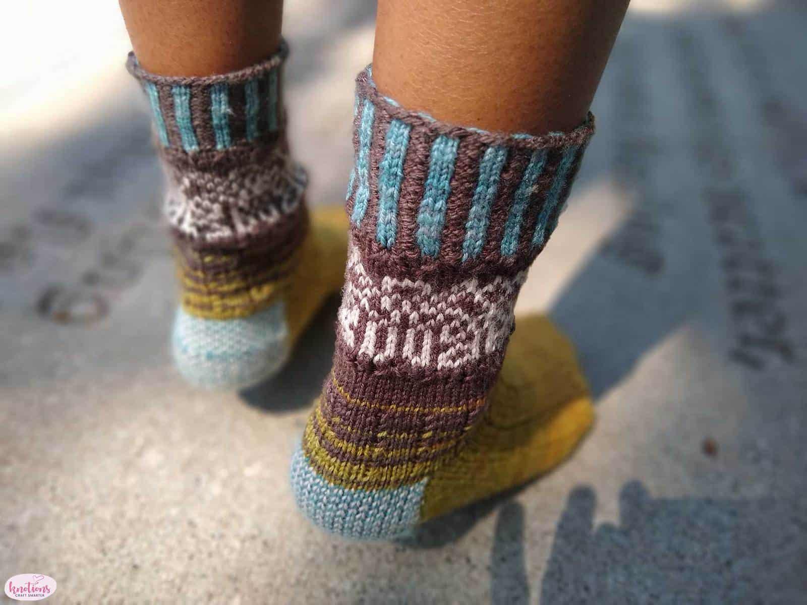 carved-wood-socks-10
