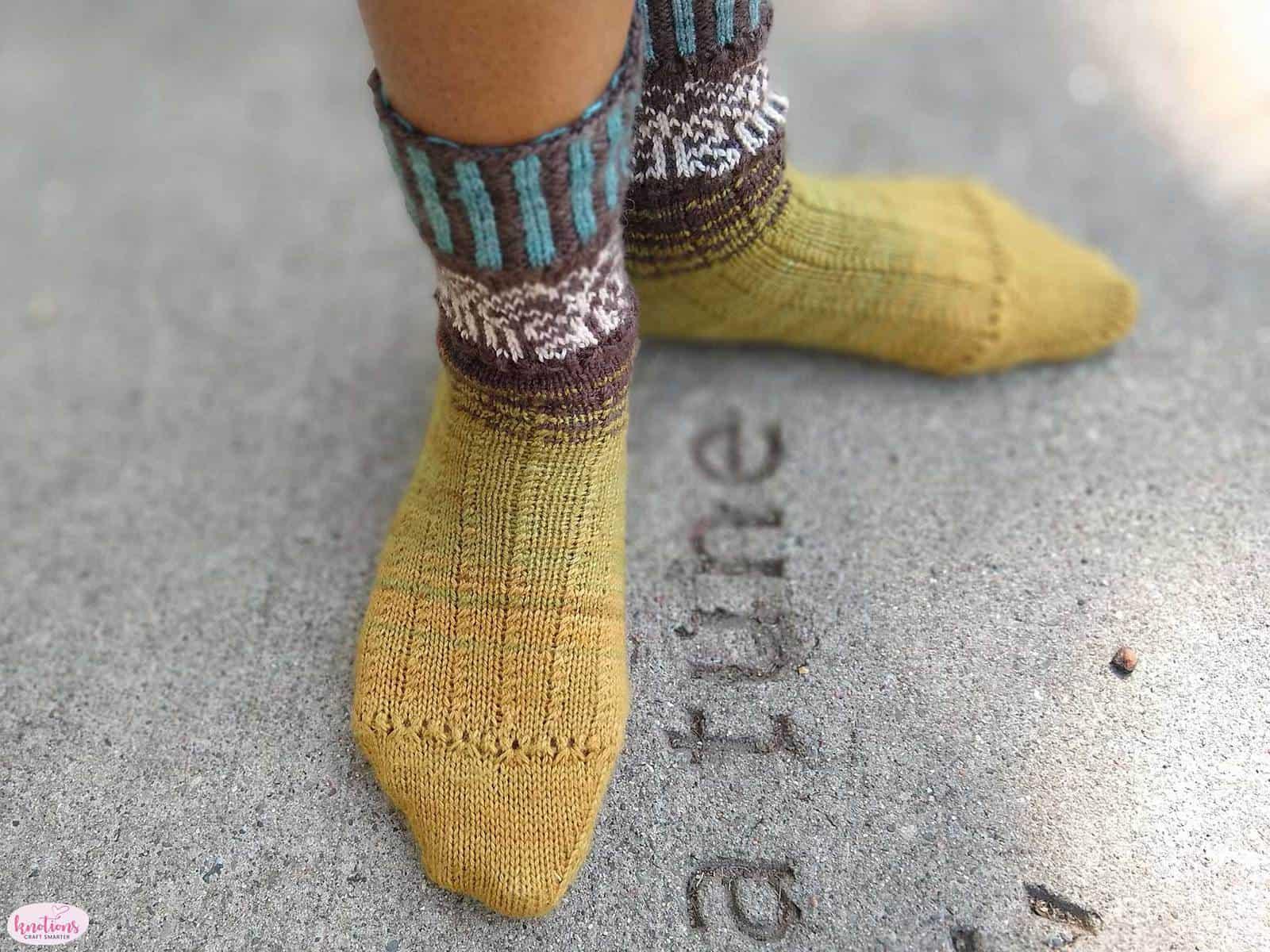 carved-wood-socks-11