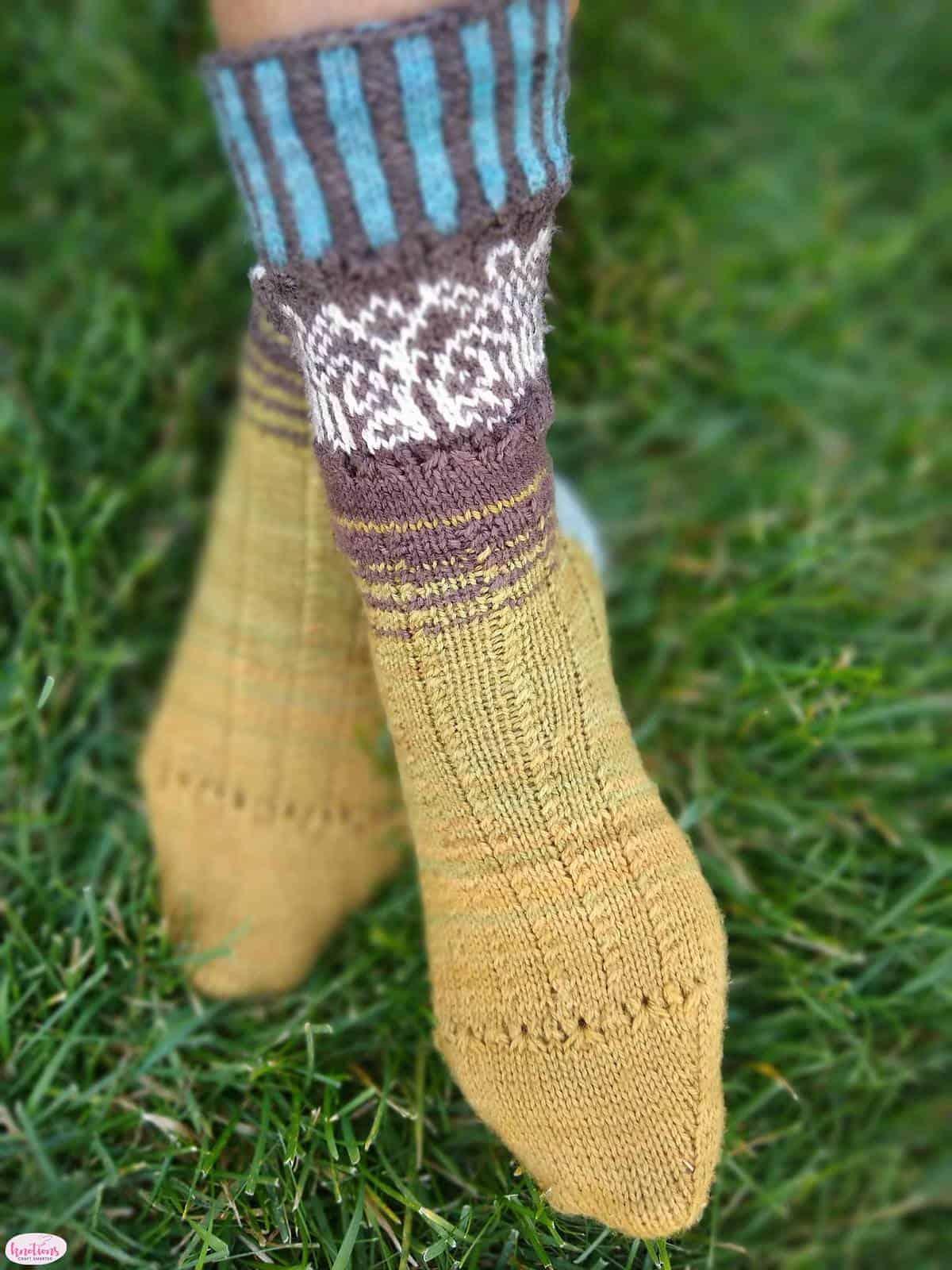 carved-wood-socks-9