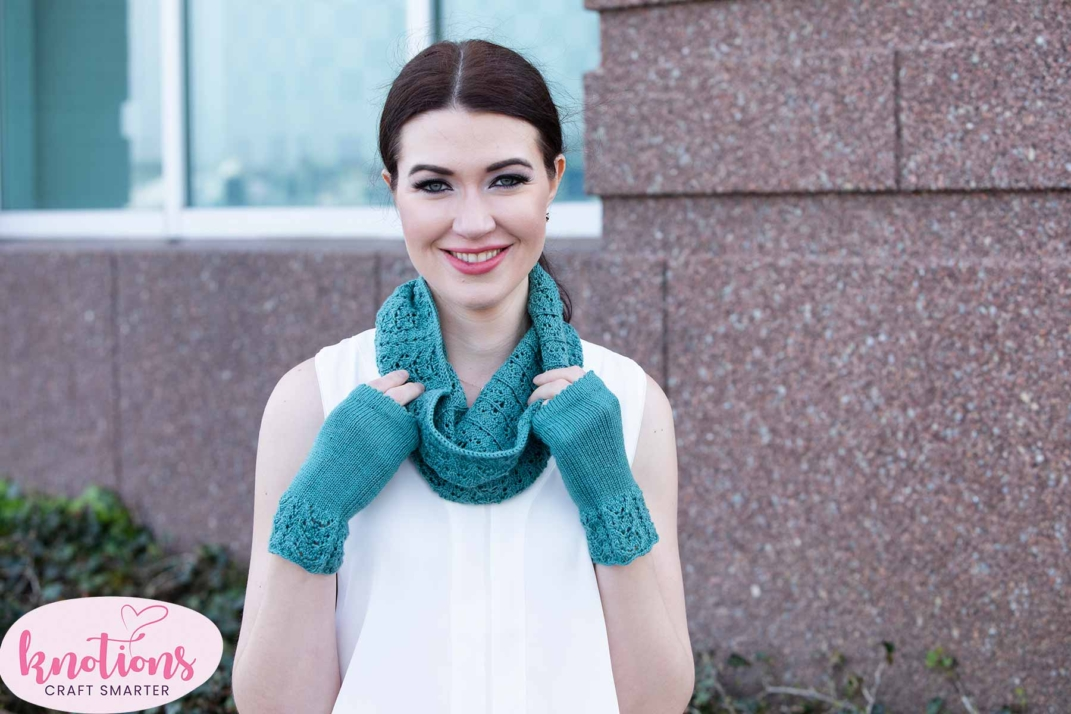 wren-cowl-and-mitts-3